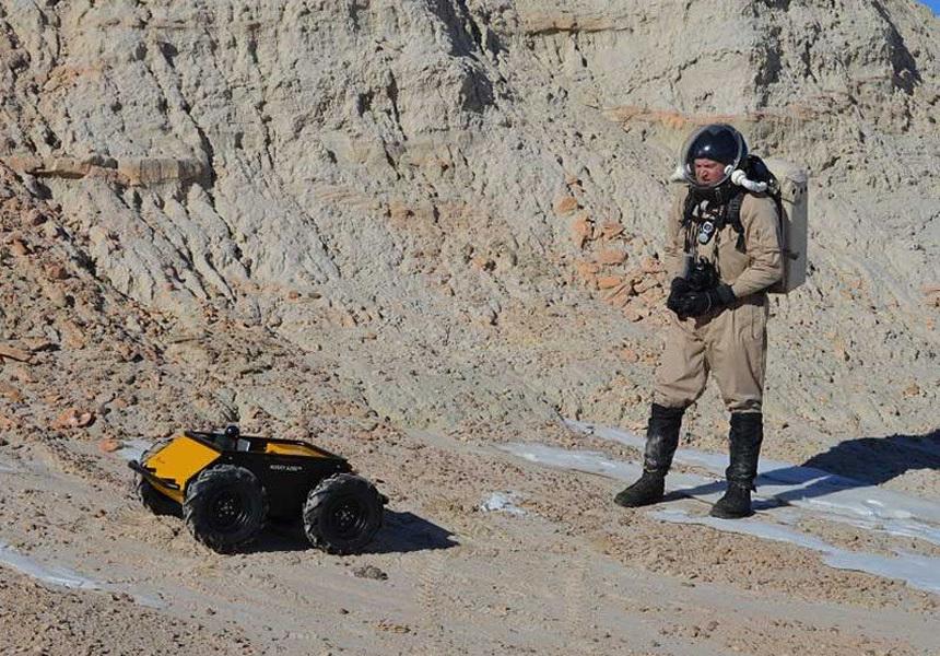 Американцы обучили боевых роботов ориентироваться на местности и понимать приказы военных