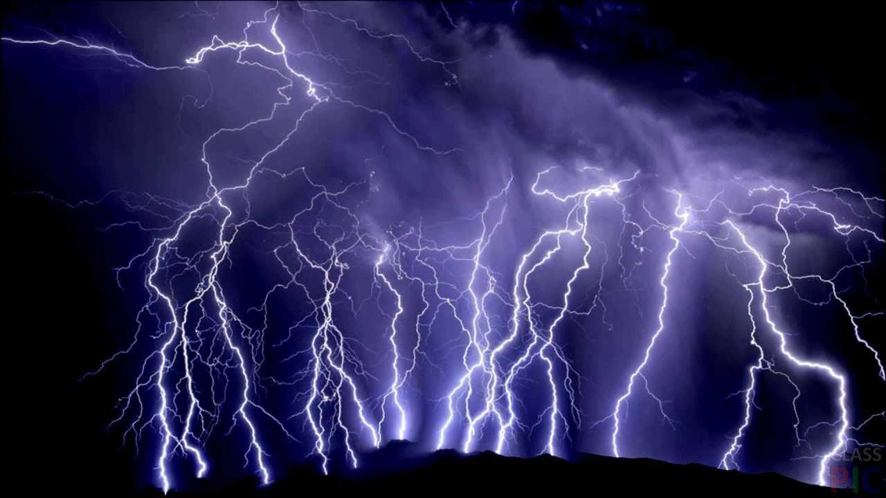 Компьютеры научили предсказывать молнию