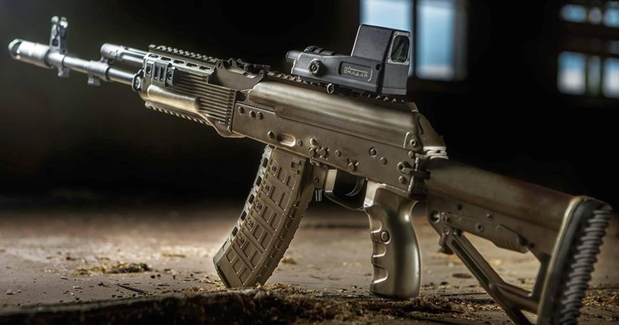 Стало известно, в чем новый АК-12 оказался лучше легендарного предшественника