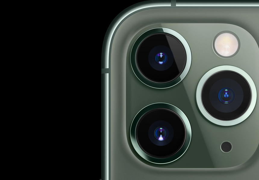 Приложение Facebook поймали за «слежкой» через камеру смартфона