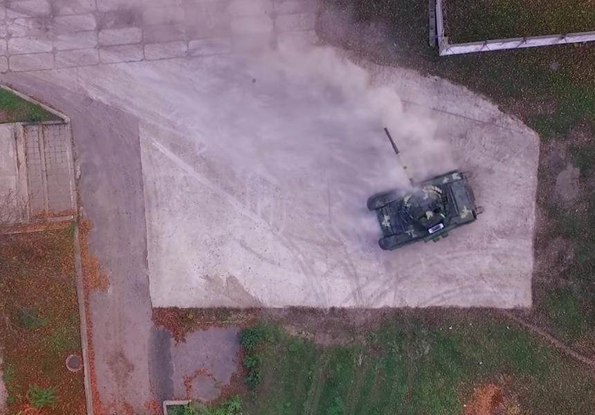 На видео показали гоночные манёвры украинского танка