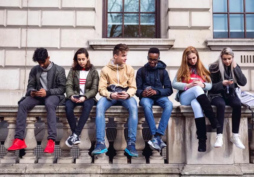 В США пытаются запретить смартфоны людям младше 21 года