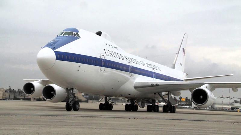 Американцы показали изнутри президентский самолёт на случай конца света