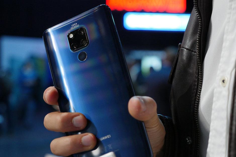 смартфон huawei рухнул цене