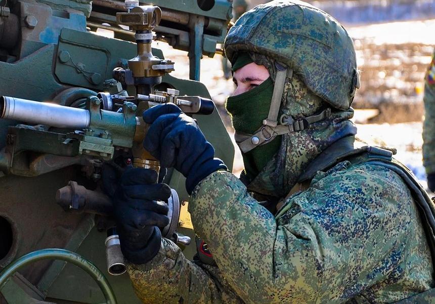 Российские власти сообщили о вероятности перехода на контрактную систему в армии