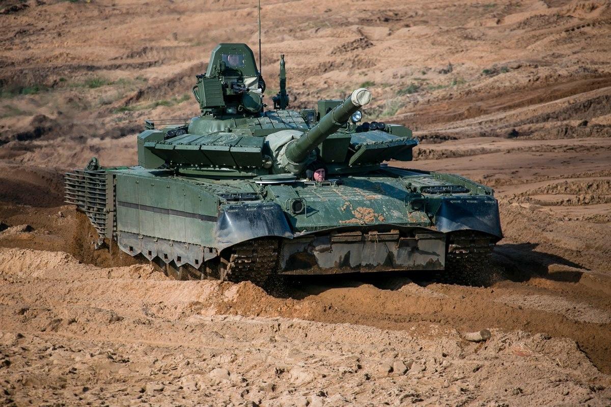 Испытания российского танка Т-80БВМ для Крайнего Севера попали на видео