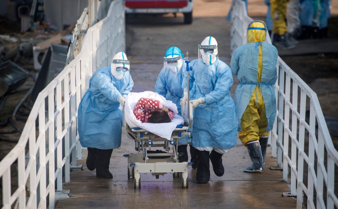 Китайские власти планируют открыть для въезда провинцию, где зародился коронавирус, в начале апреля