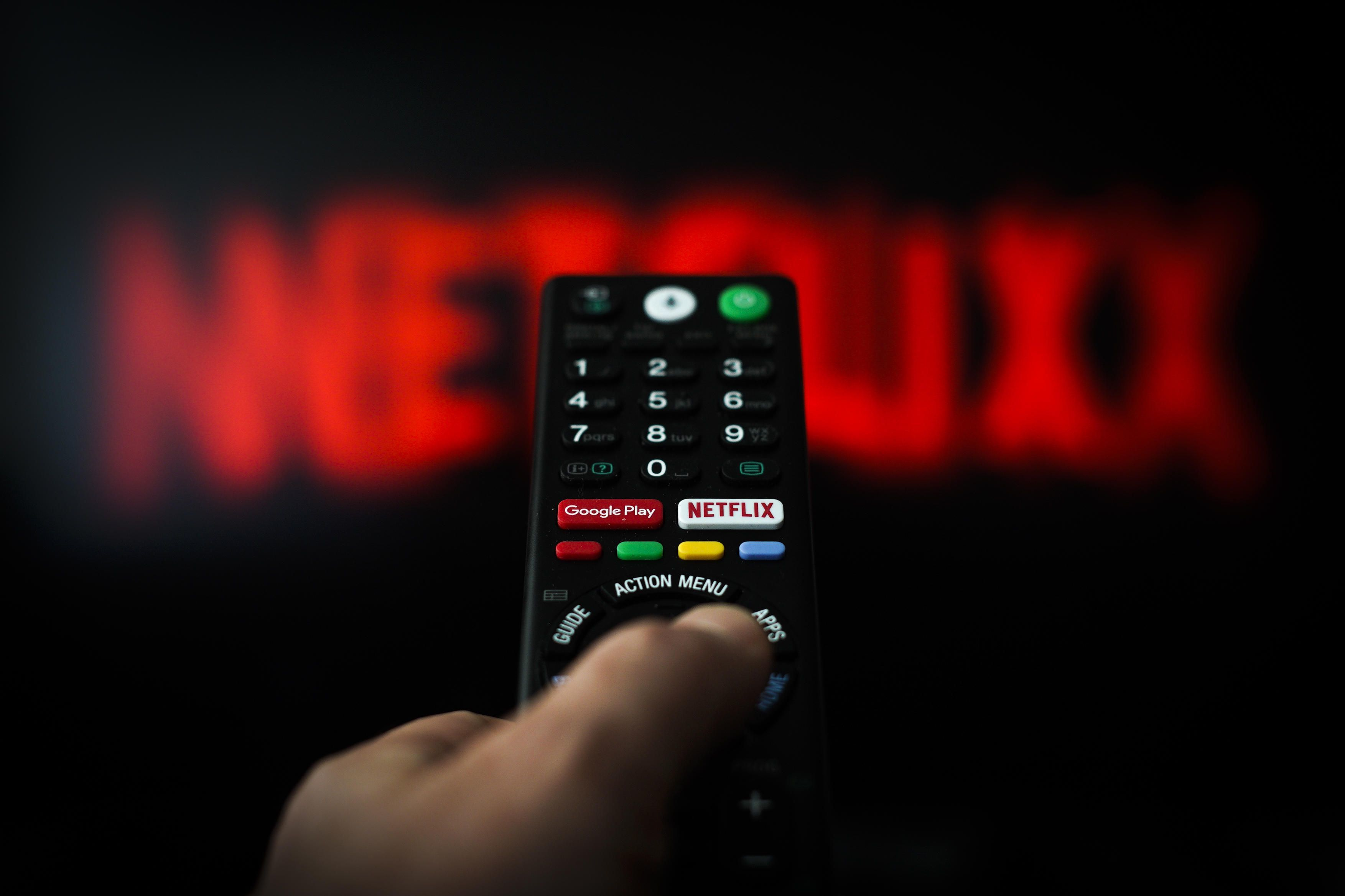 Какой сериал стал самым просматриваемым на Netflix во время карантина?