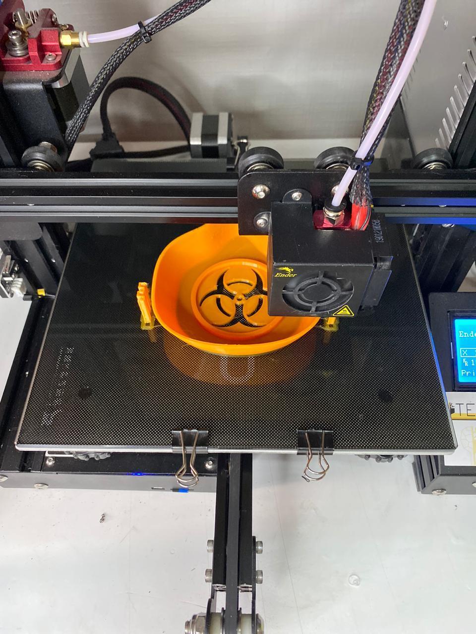 В России медицинские маски начали печатать на 3D-принтере