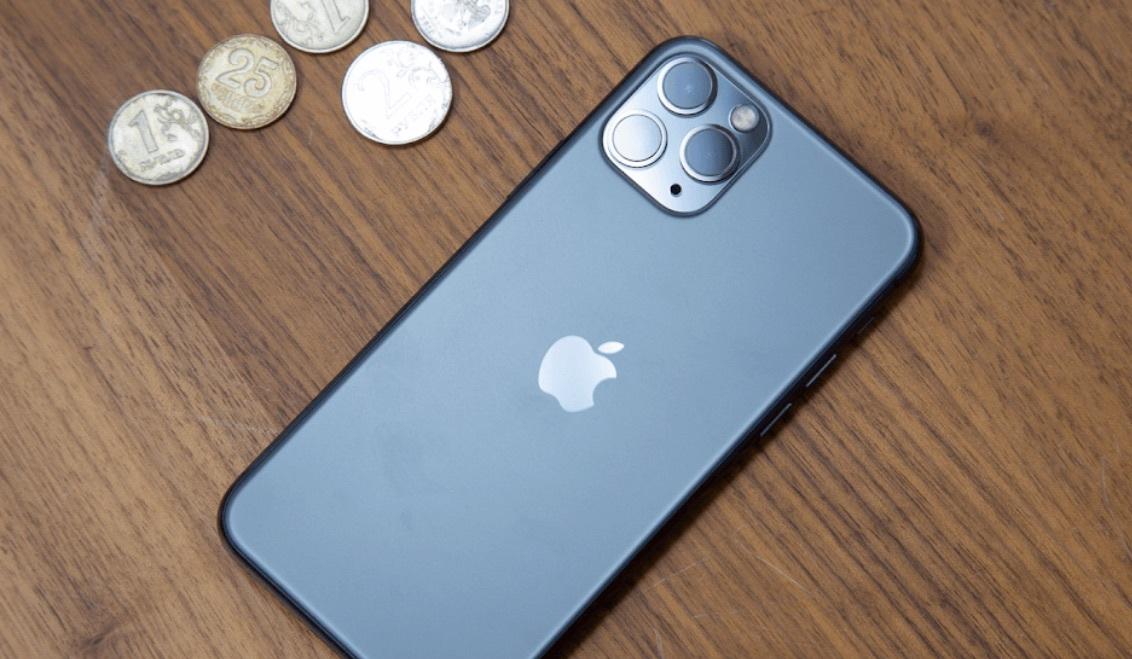 В России начали дорожать смартфоны из-за падения рубля и коронавируса