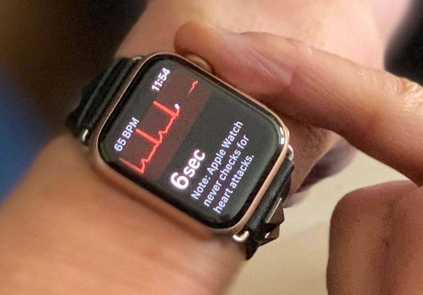 apple watch обнаружили проблемы сердца упущенные больничным экг-аппаратом