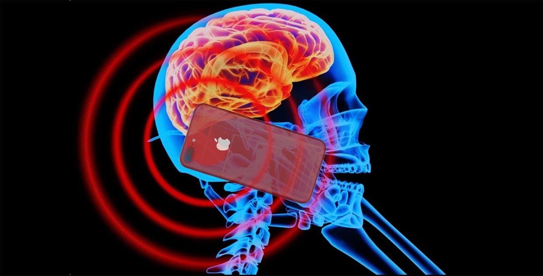 Эксперт рассказала, насколько опасным является излучение от смартфона