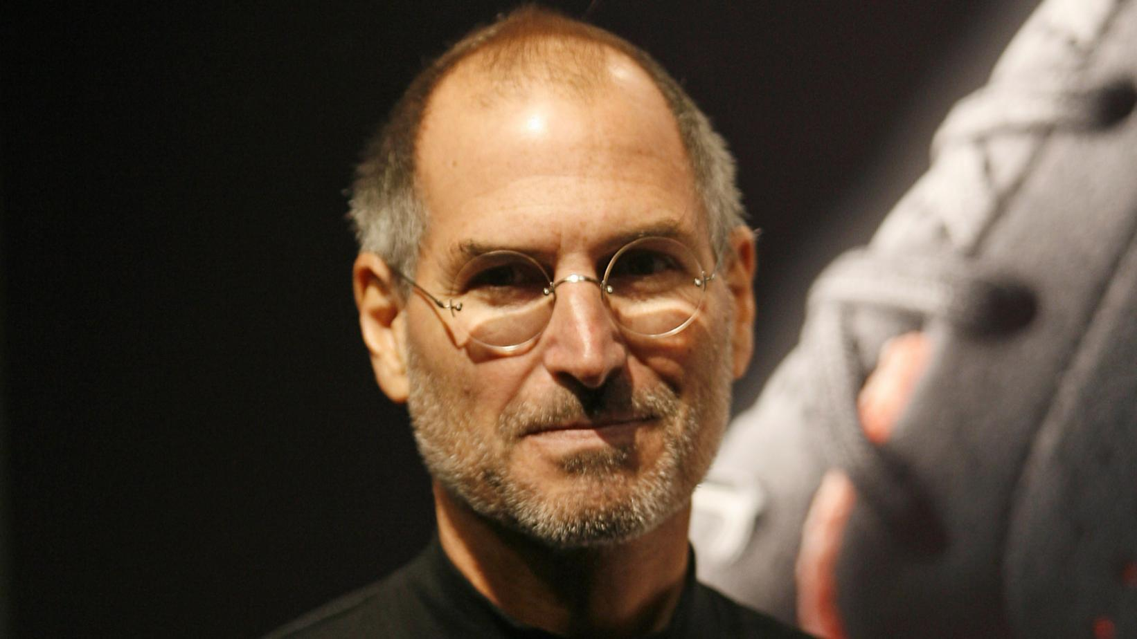 Apple может представить умные очки в стилистике очков Стива Джобса сразу после презентации iPhone 12