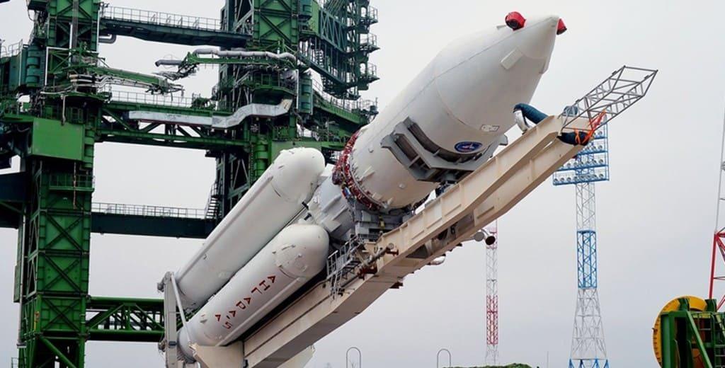 Во сколько раз новейшая российская ракета «Ангара-А5» дороже заменяемой модели?