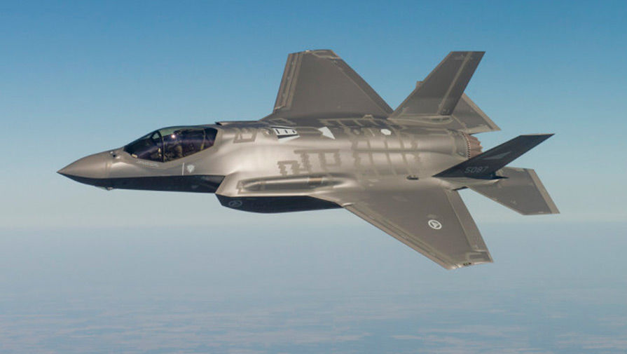 В США рассказали, почему американский истребитель F-35 неэффективен против России в Европе