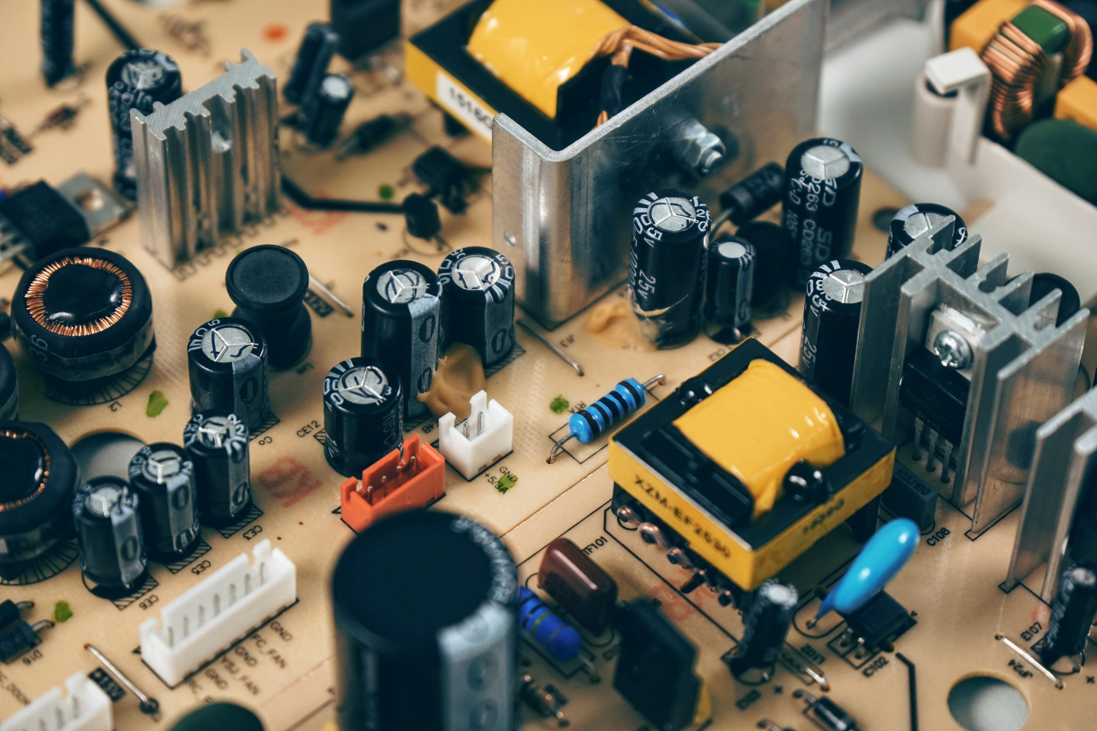 Как 70 лет назад изобрели транзисторы, на которых и по сей день «держится» цифровая техника