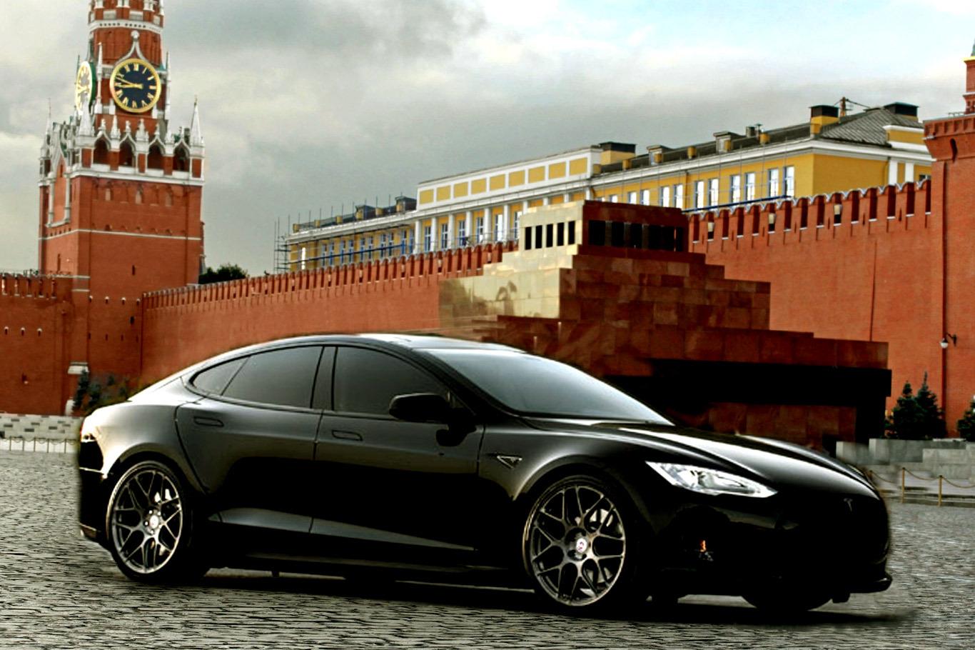 Стоимость зарядки Tesla в России сравнили с затратами на бензиновый автомобиль