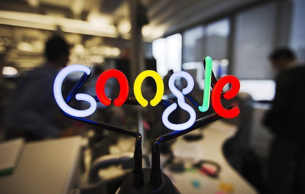 Большинство сотрудников Google будут работать из дома до середины лета 2021 года