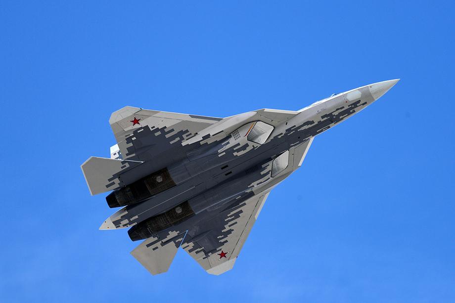 Показано фото российского серийного истребителя пятого поколения