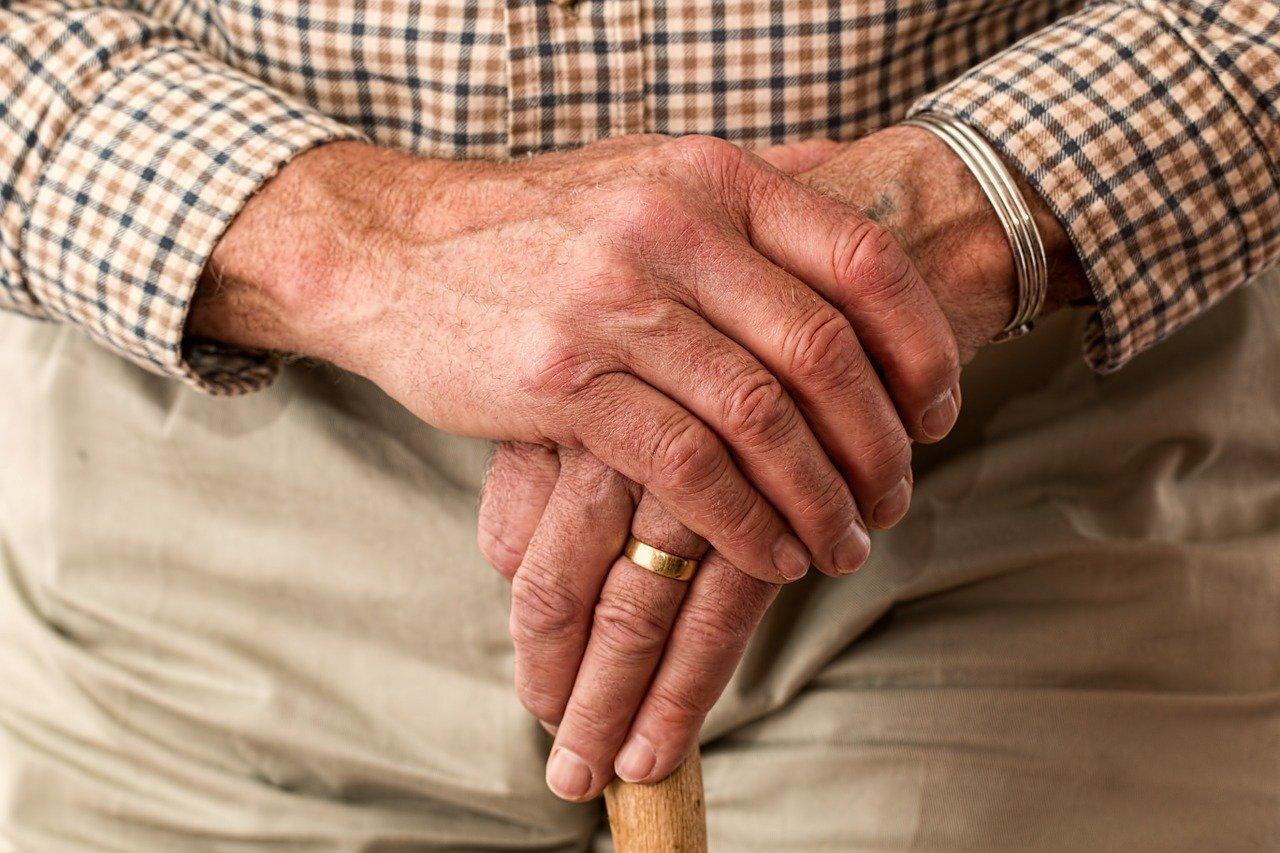 Названы способы снизить риск развития старческого слабоумия