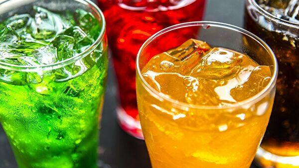 Перечислены популярные среди россиян напитки, от которых толстеют