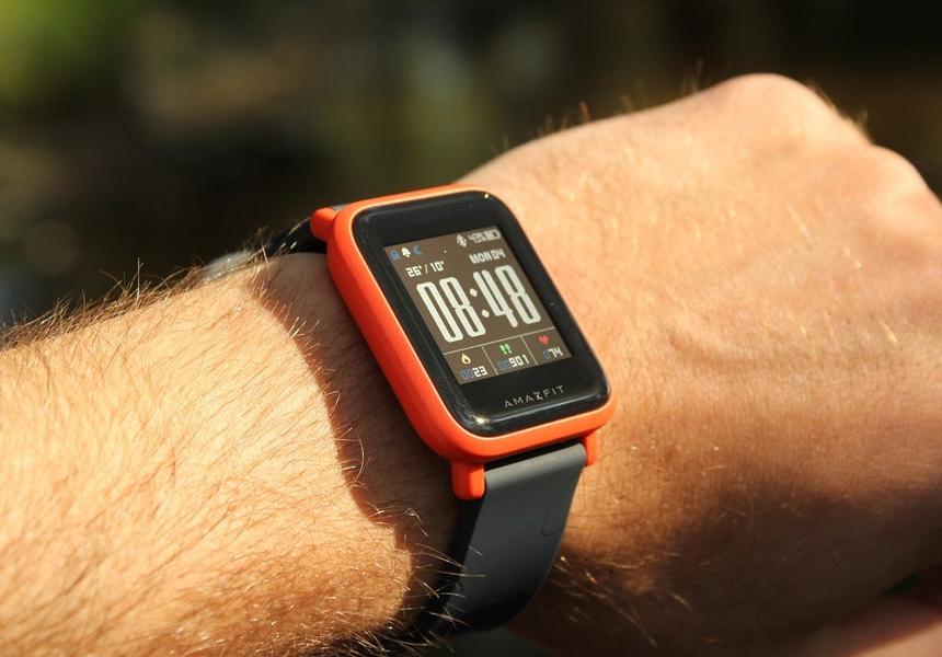 Россиянам рассказали об опасности дешёвых «умных» часов