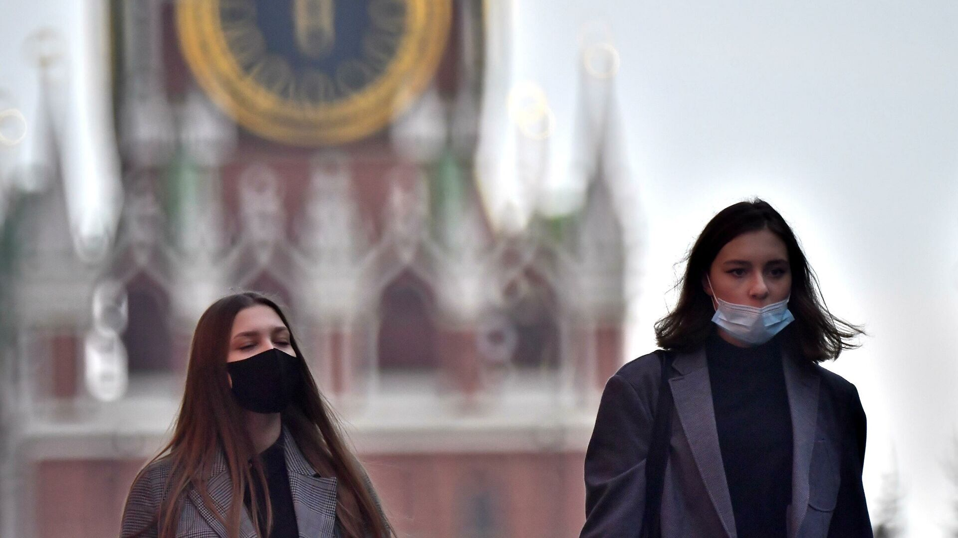 В России число зараженных COVID-19 может достичь 1 млн в день при отказе от масок