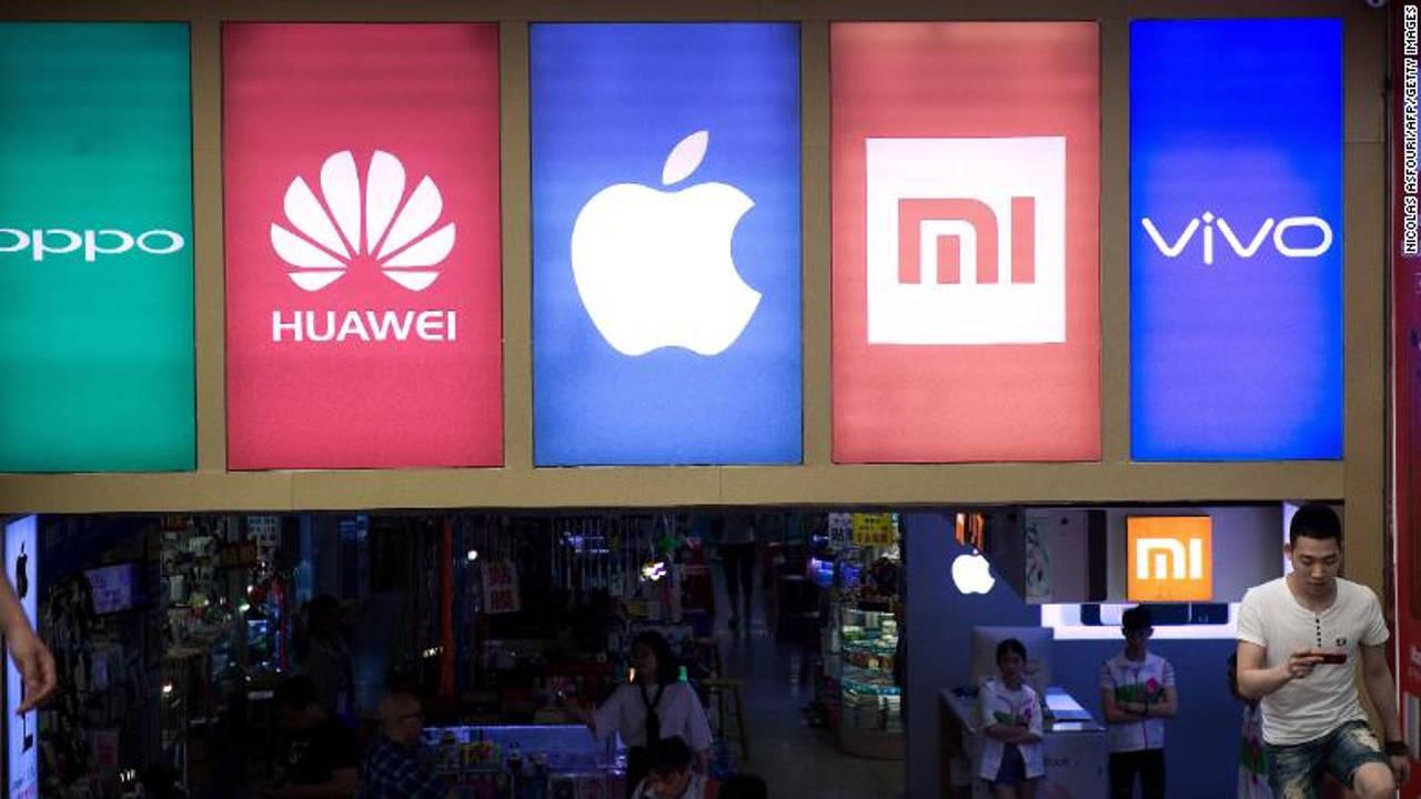 Huawei начала стремительно терять долю на рынке смартфонов