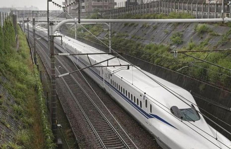 Японцы создали поезд, безопасный во время землетрясений