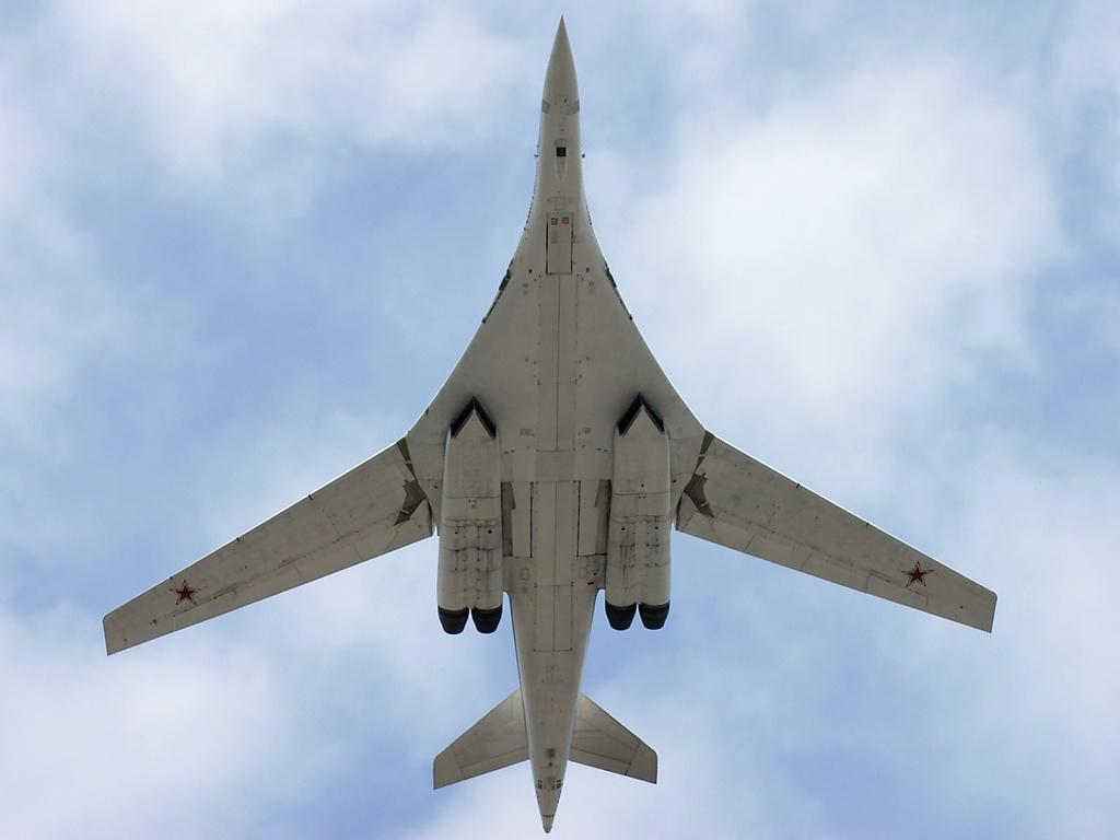 Российские стратегические бомбардировщики получат улучшенные двигатели
