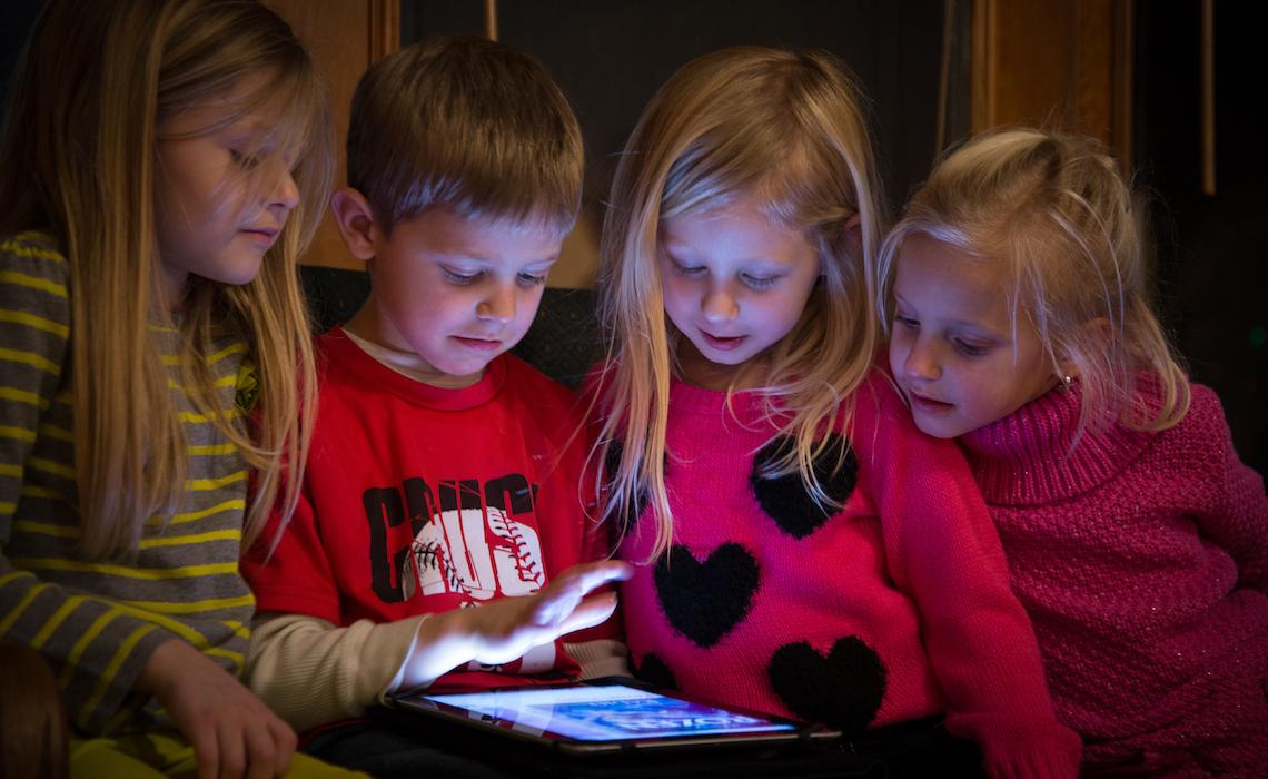 Эксперты узнали, что российские дети ищут на YouTube