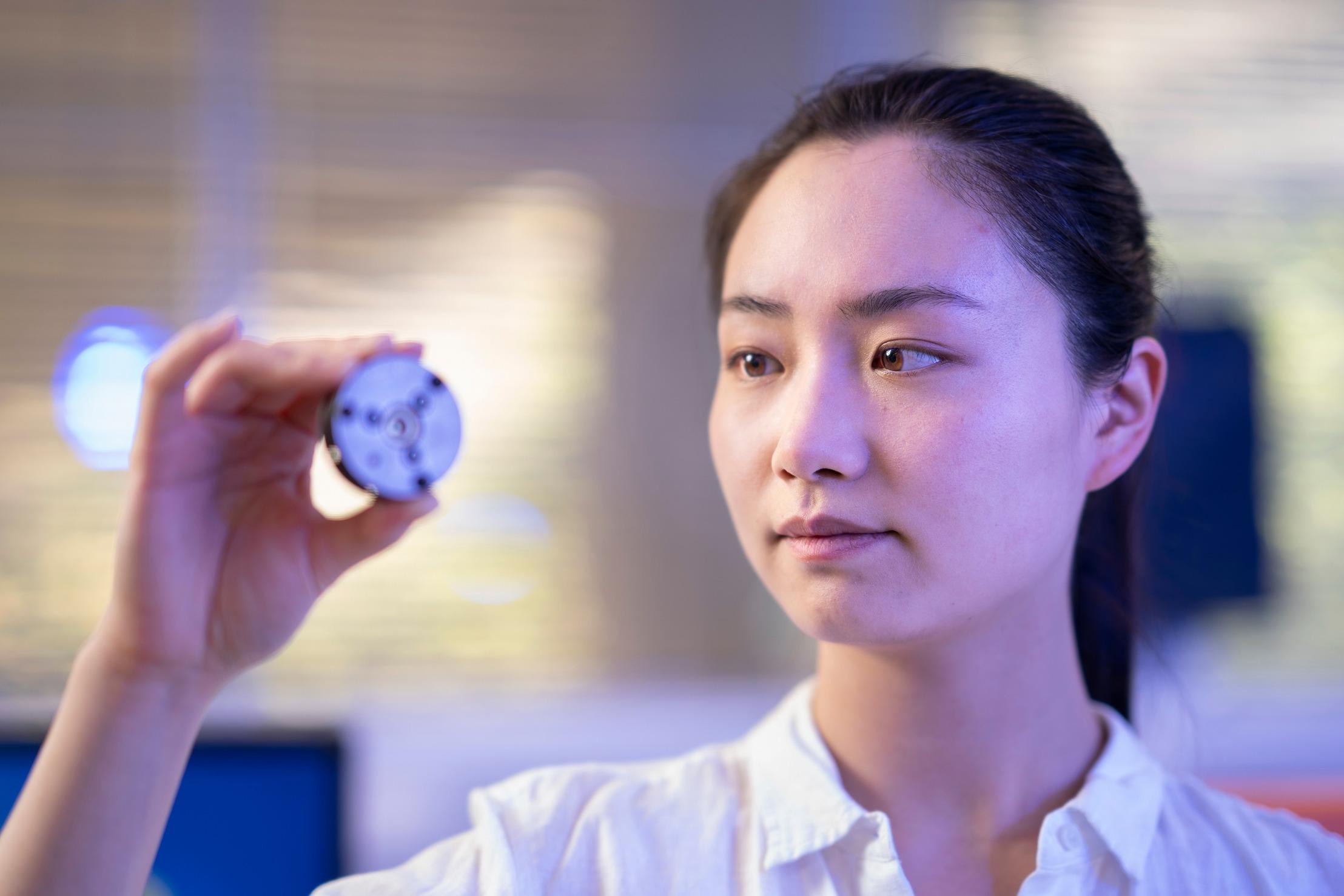 Учёные создали алмазы при комнатной температуре