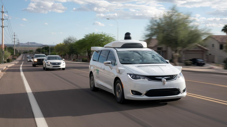 Американцев разрешили перевозить на беспилотных такси