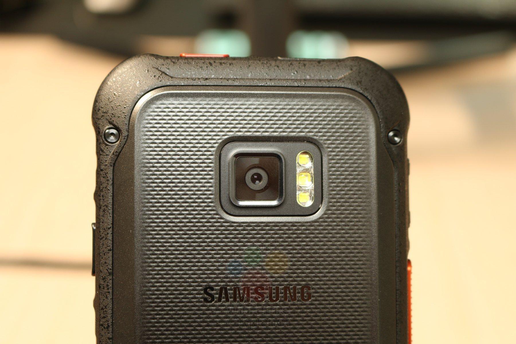 """Samsung работает над первым """"неубиваемым"""" 5G-смартфоном"""