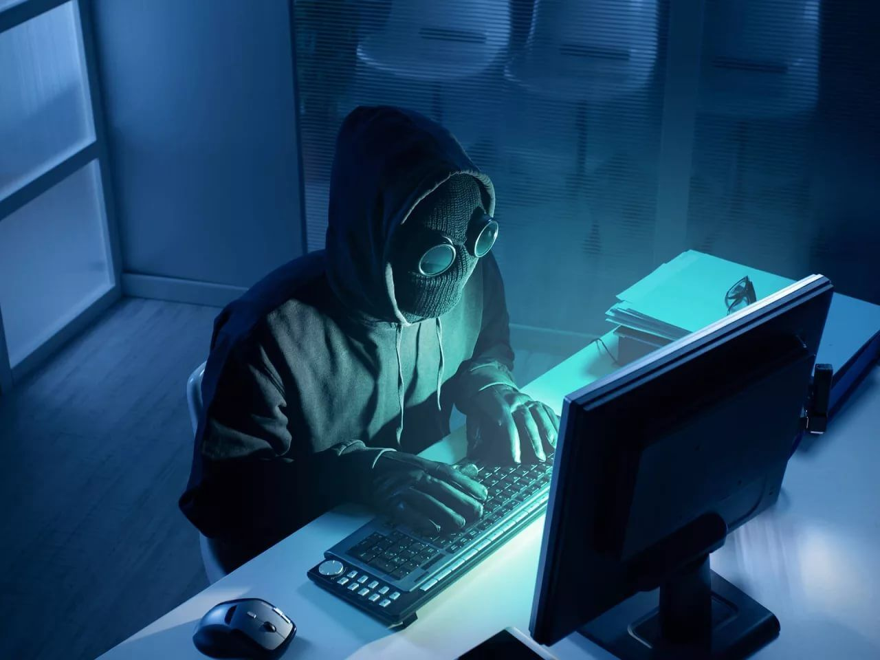Хакера осудили на три года за детскую порнографию