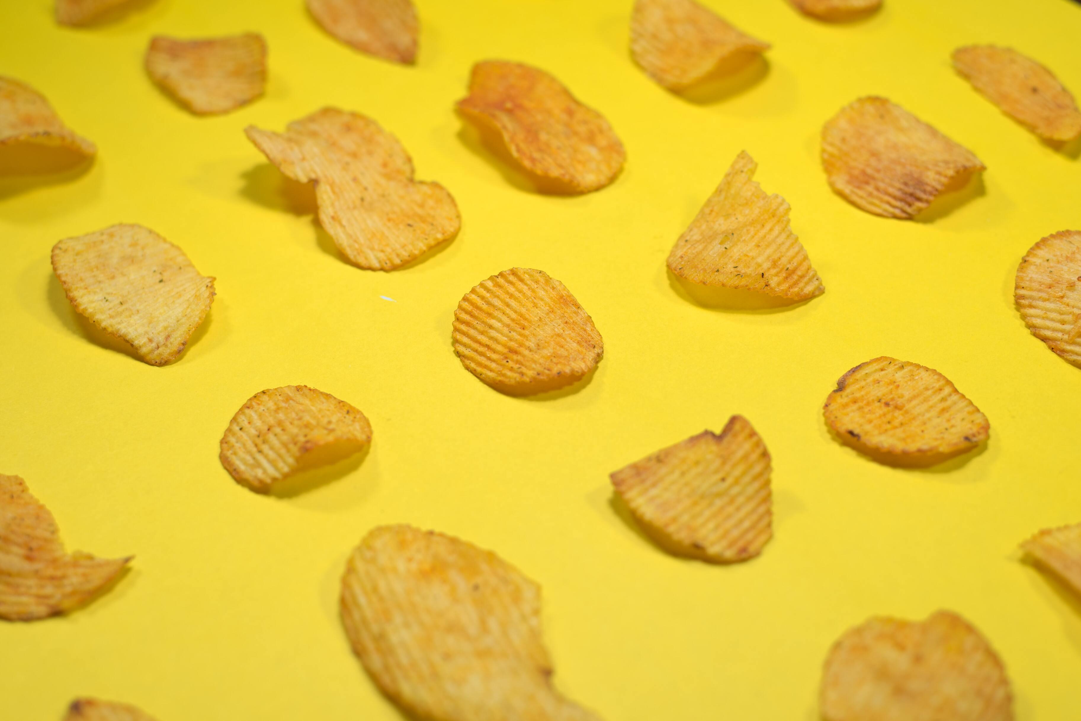 Употребление в пищу чипсов и колбасы увеличило риск ранней смерти