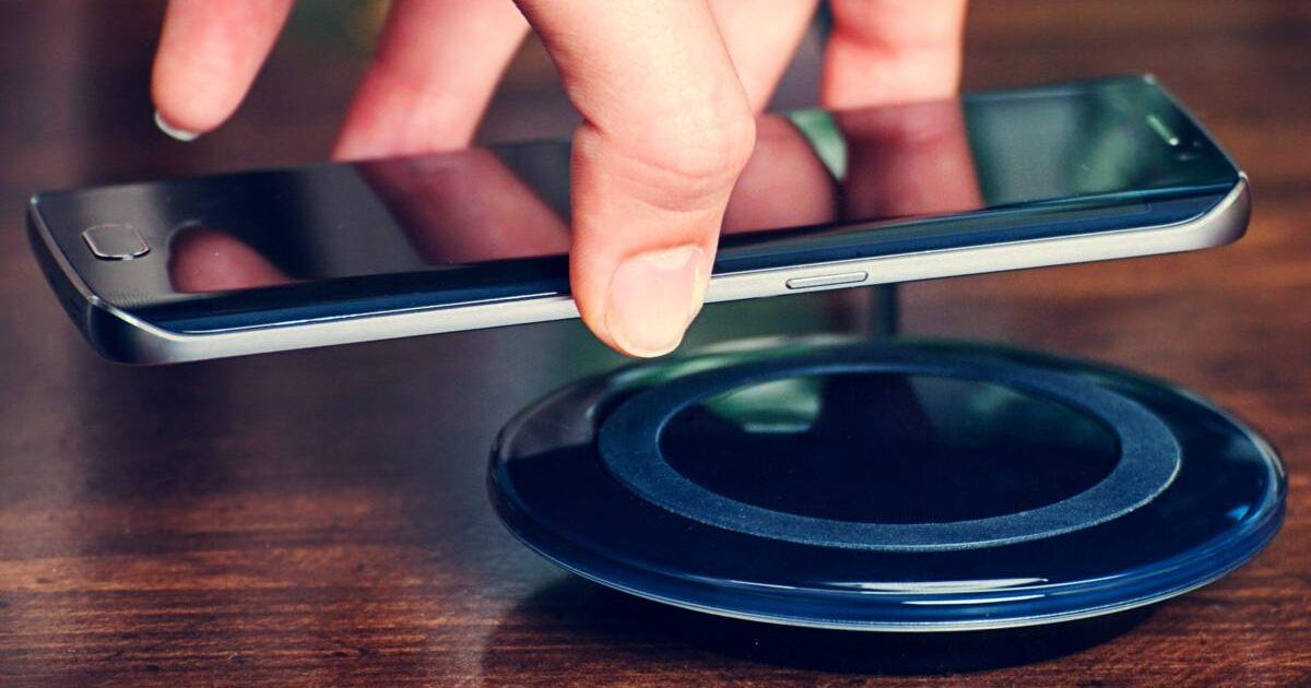 Россиянам рассказали, влияет ли на здоровье беспроводная зарядка для смартфона