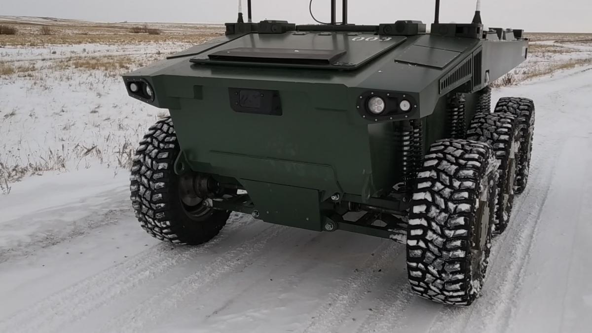 Российский боевой робот самостоятельно прошёл заснеженную лесостепь