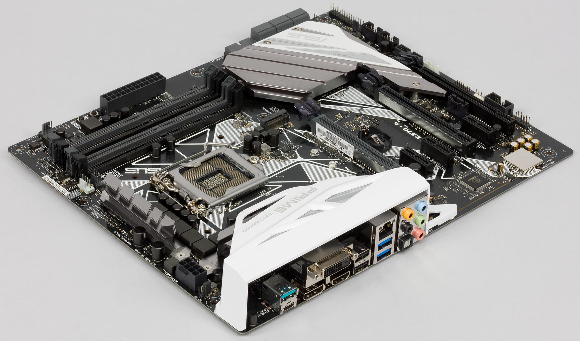 Intel снимет с производства материнские платы для процессоров 2018 модельного года