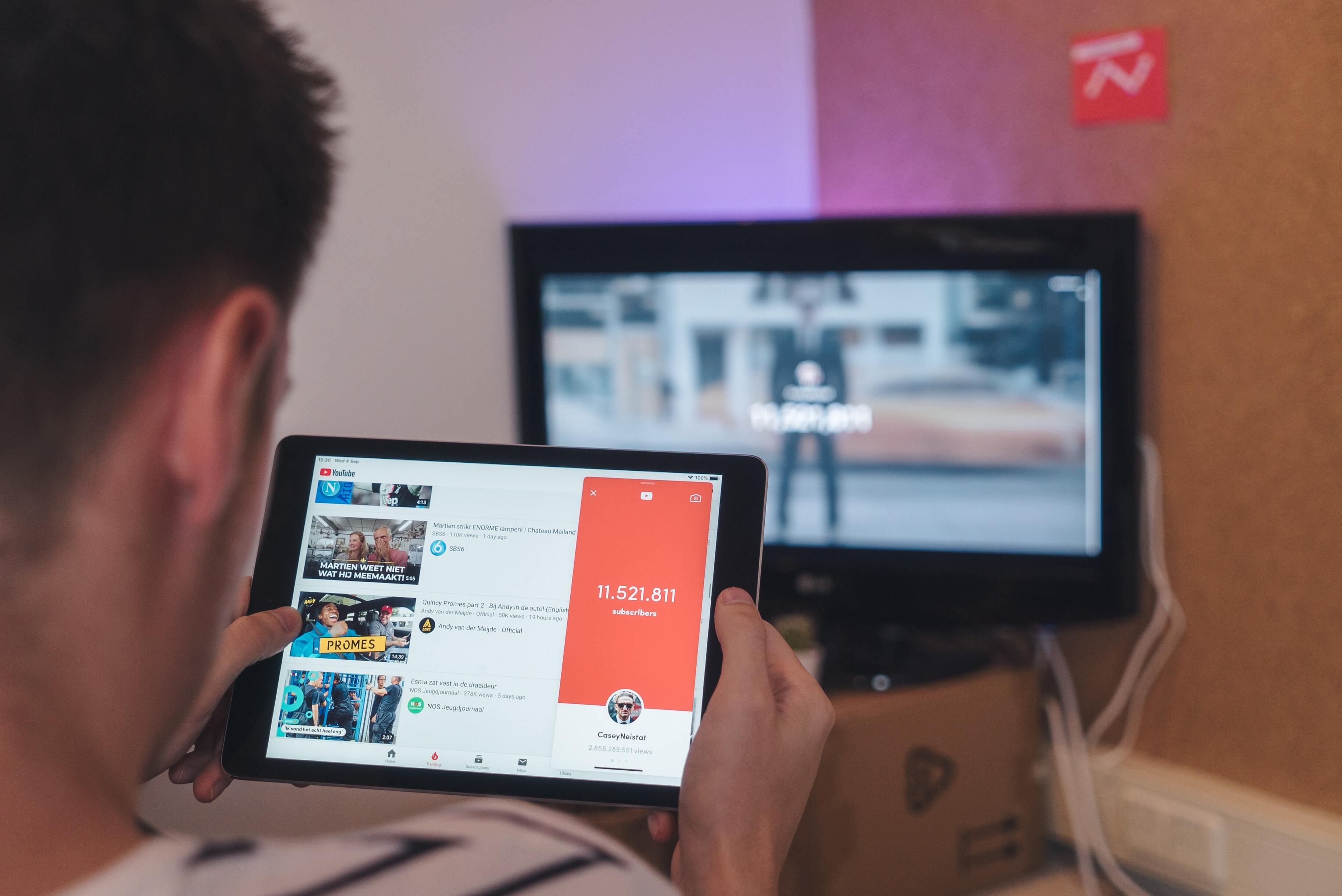 Следователь из России хотела допросить 43 тысячи зрителей YouTube-канала