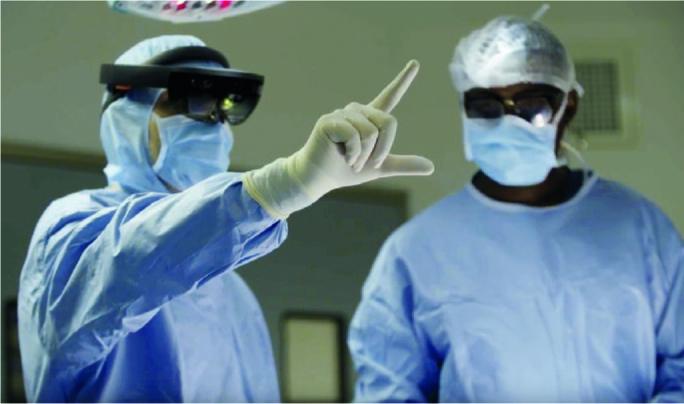 Хирурги за сутки провели 12 операций с помощью очков виртуальной реальности