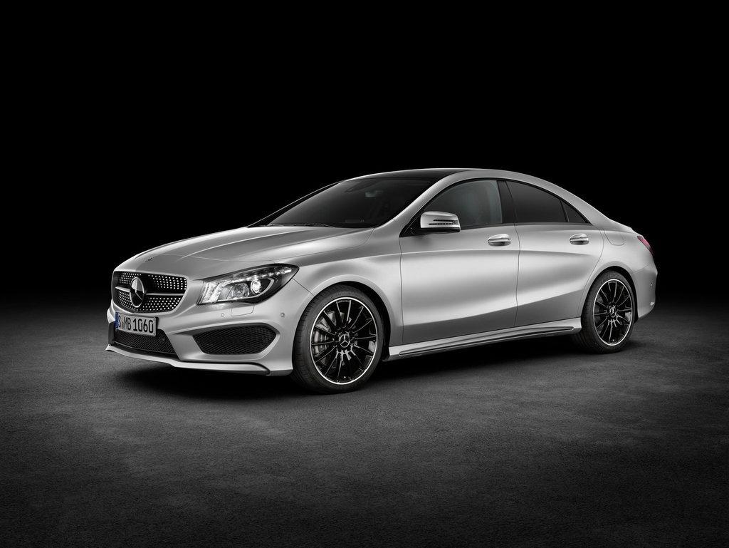 Mercedes отзывает 1,3 млн автомобилей из-за ошибки в программном обеспечении