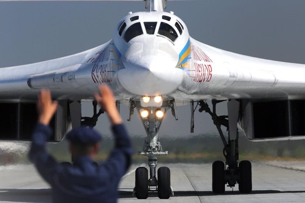 В США заявили об отработке российскими Ту-160 атаки военной базы НАТО