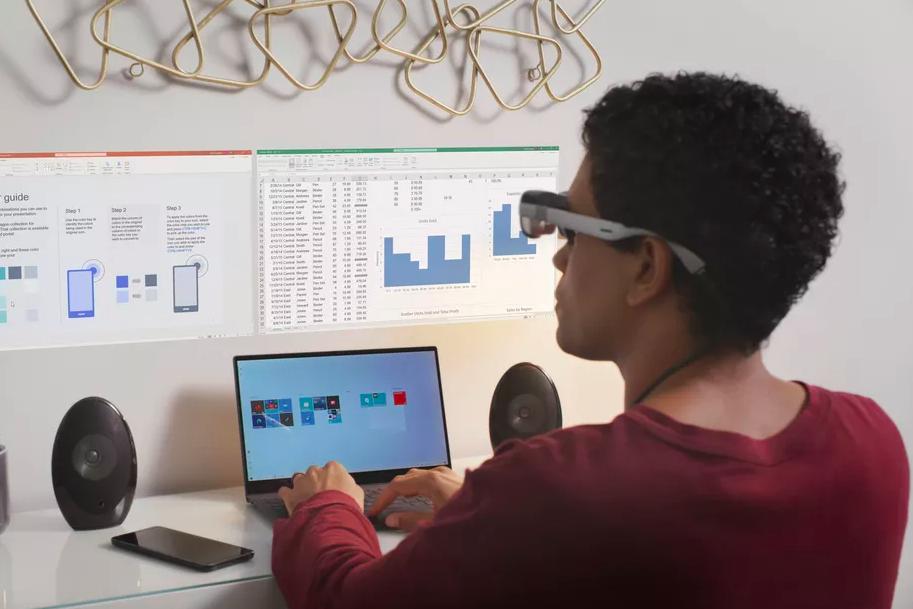 Qualcomm показала умные очки для создания виртуального экрана на стене