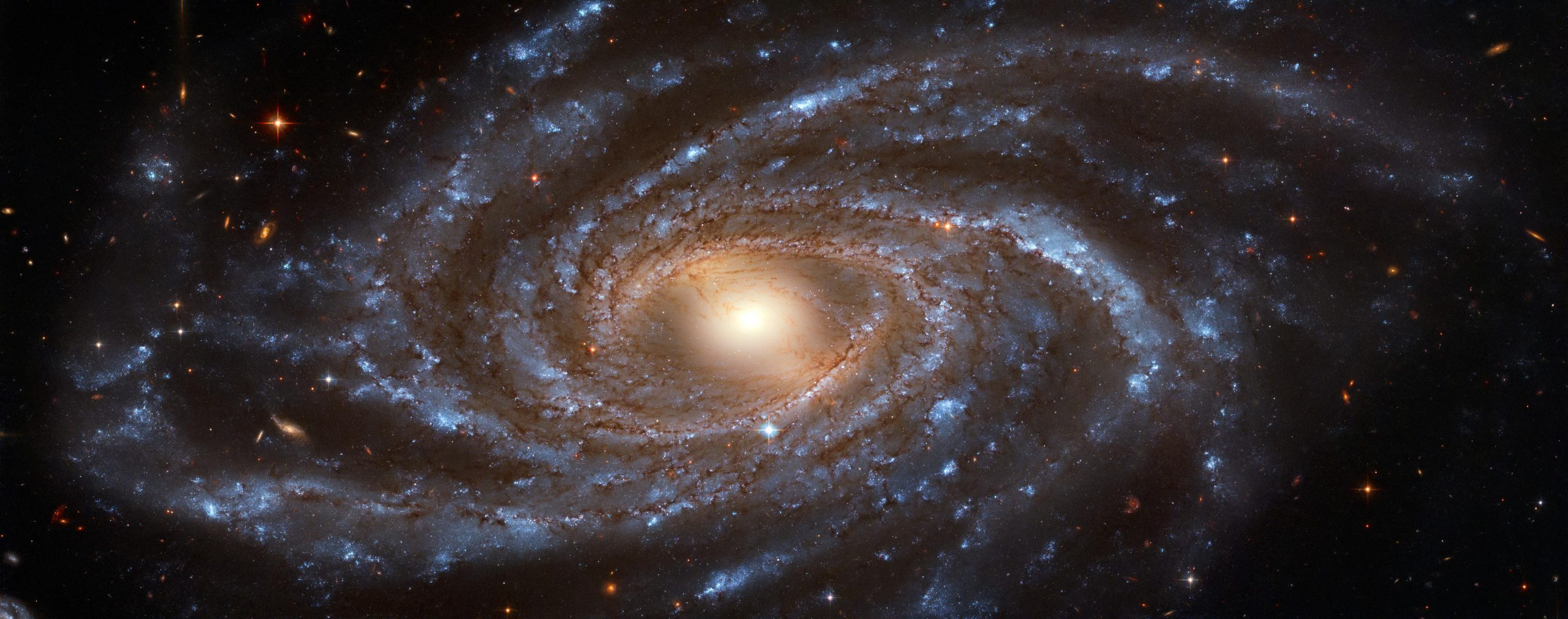 Опубликовано высококачественное фото галактики длиной в сотни тысяч световых лет