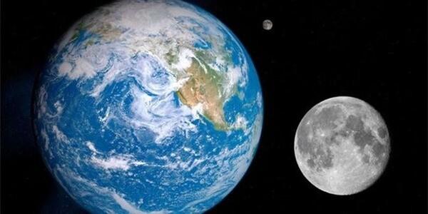 Ученый рассказал, почему Луна не падает на Землю