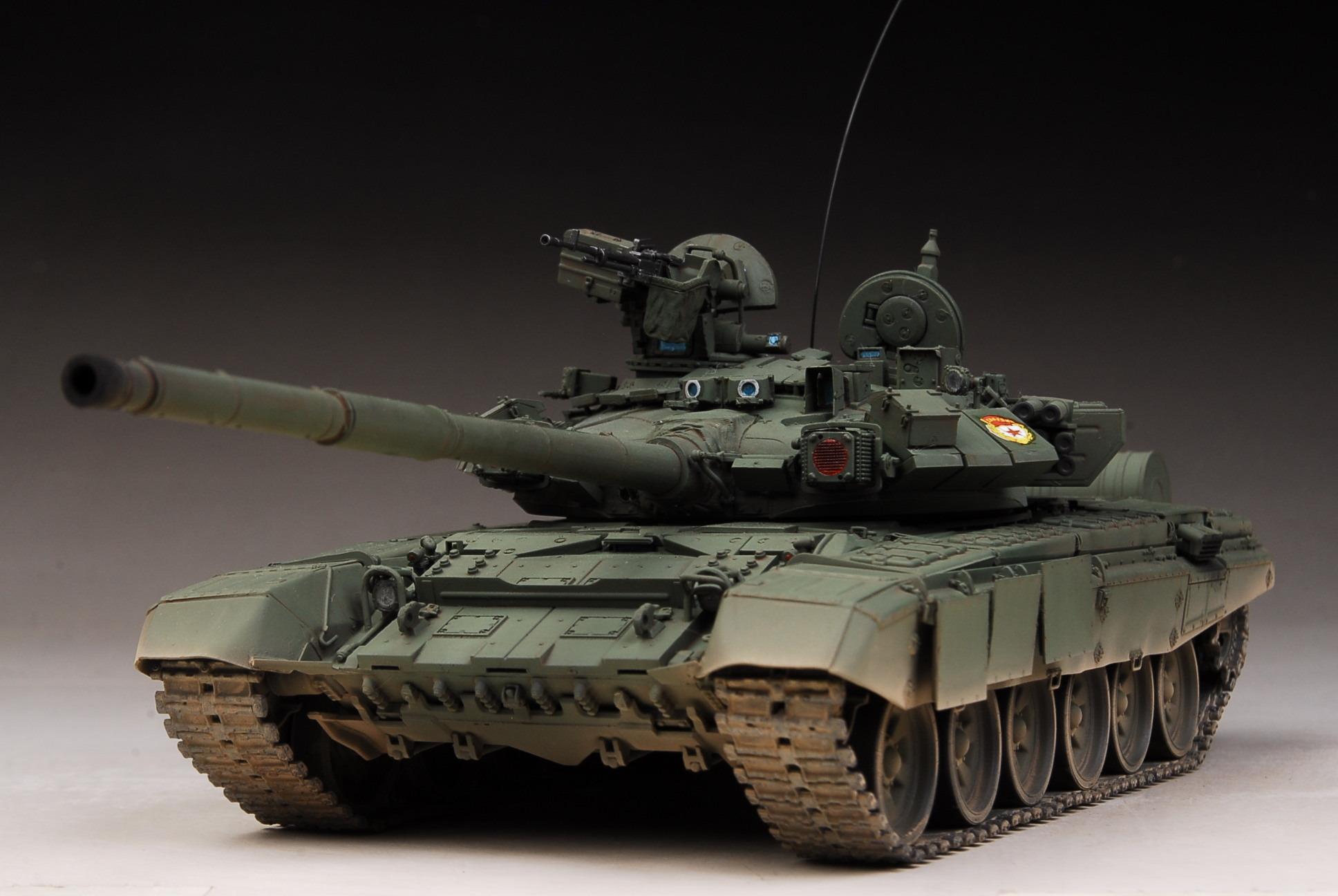 Обнаружена самая редкая модификация российского основного боевого танка