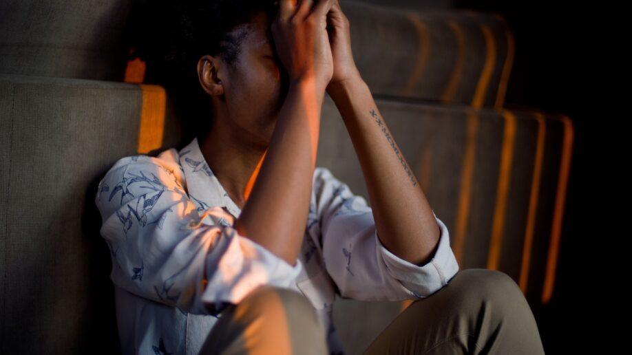 Ученые выяснили, почему некоторые люди хуже других переносят стресс