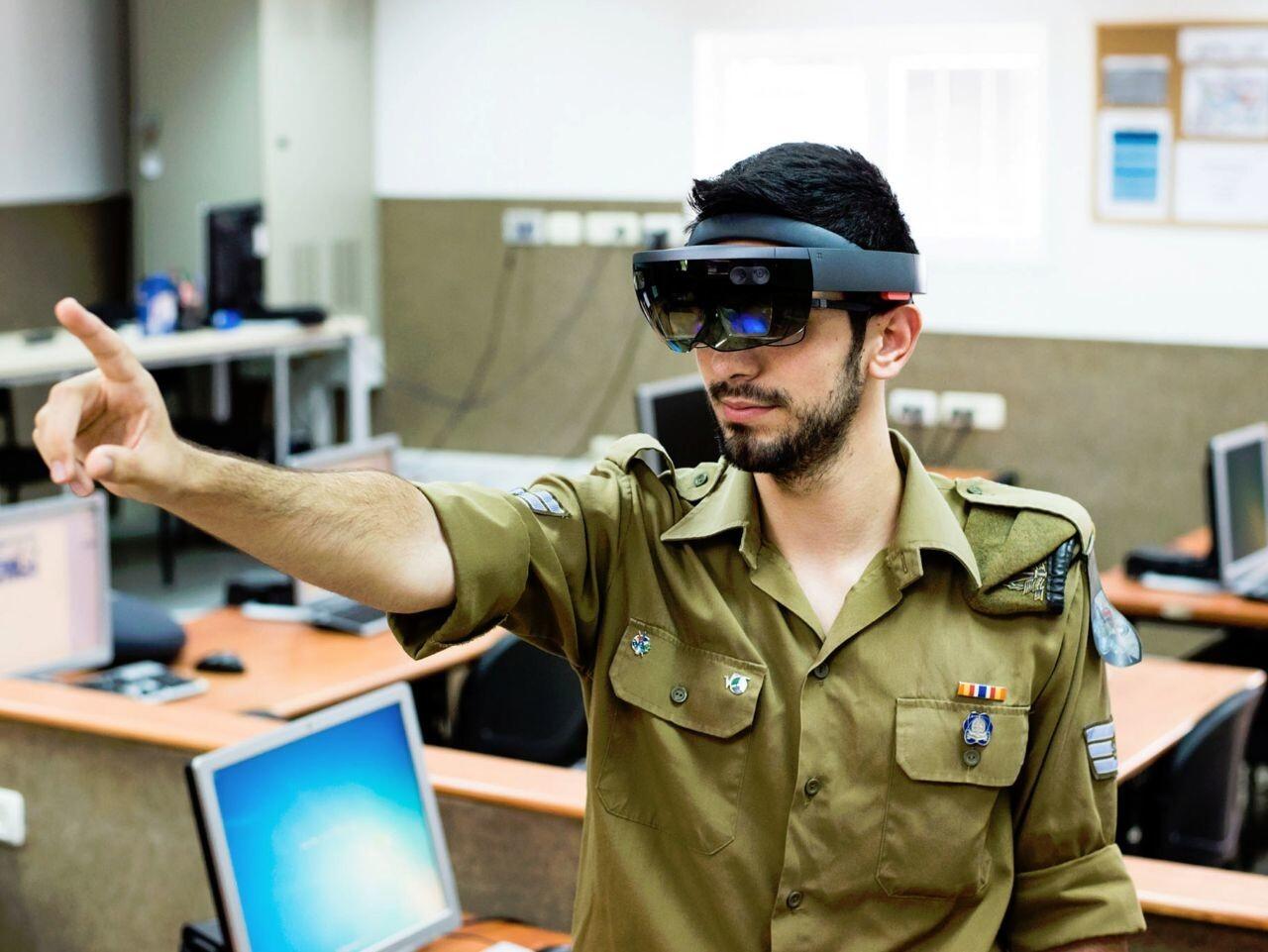 Microsoft оснастит армию США шлемами смешанной реальности на 22 миллиарда долларов