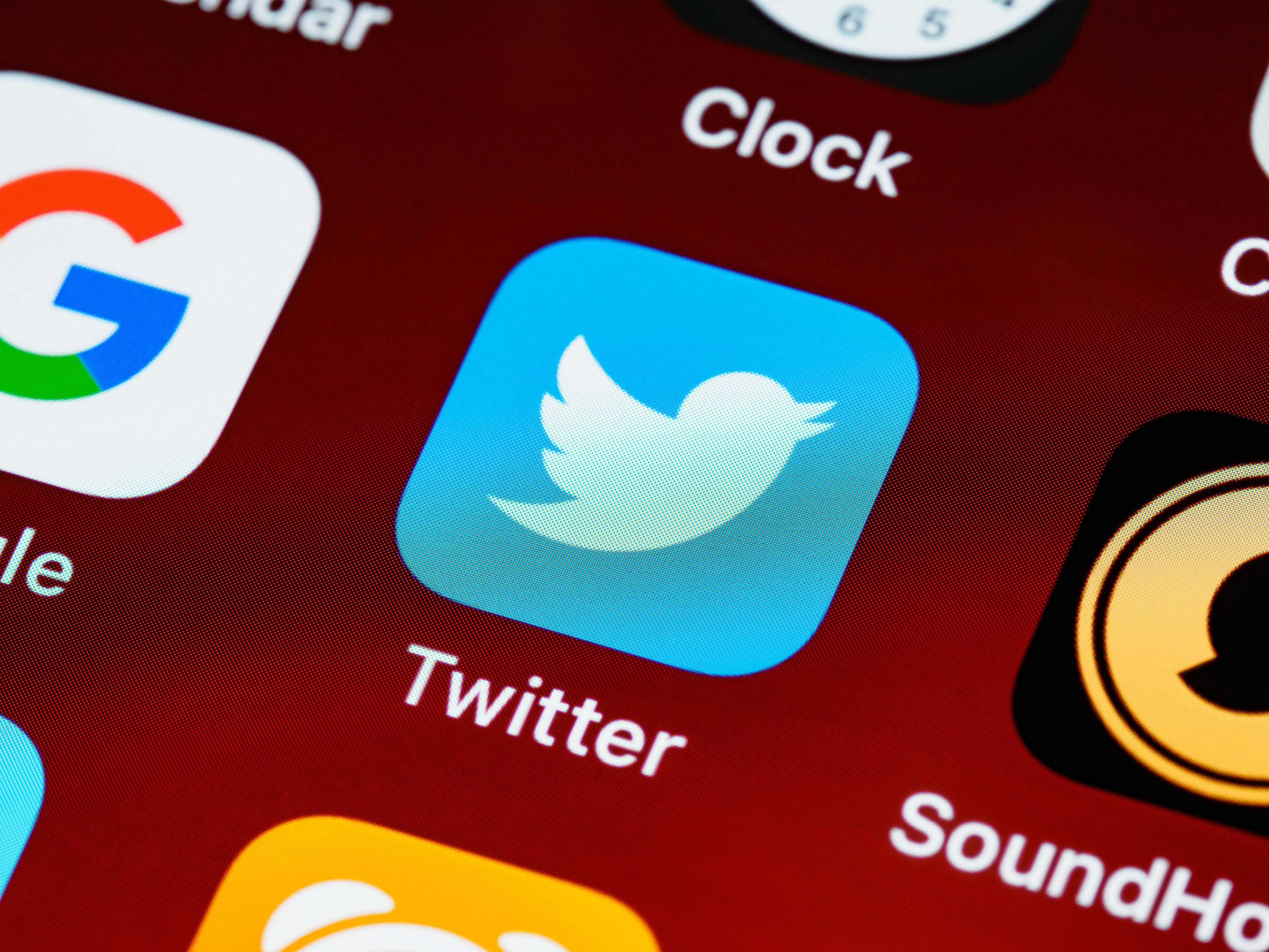 Россия выписала Twitter несколько миллионных штрафов
